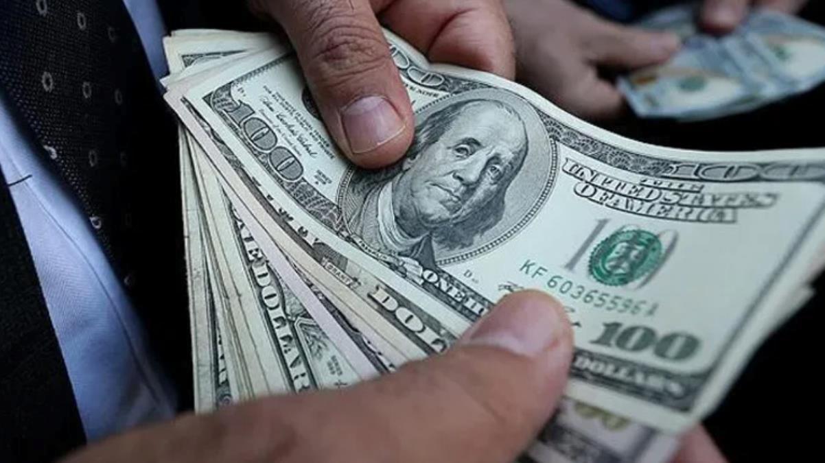 Güne yükselişle başlayan Dolar, 7,40'ın üzerini gördü