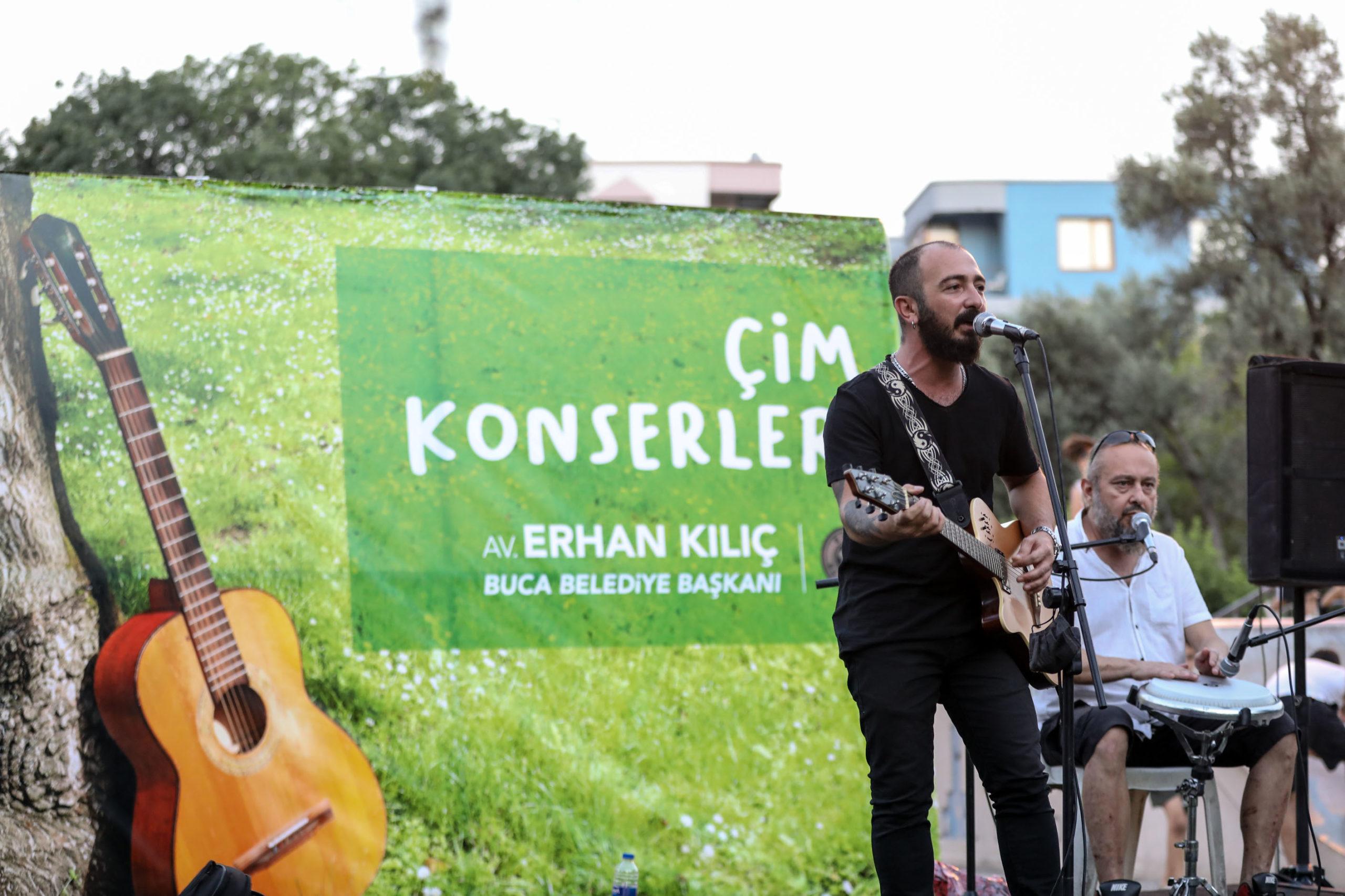 Buca Belediyesi müzisyenleri normalleşmede de yalnız bırakmadı