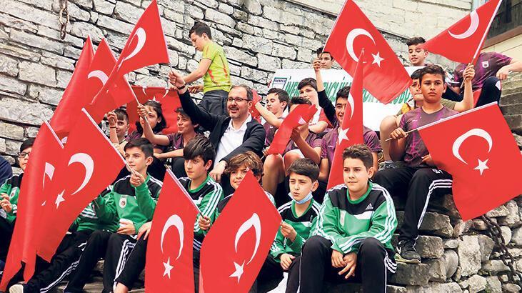 'İstiklal Harbimizi bilmeyen milletimizin ruhunu anlayamaz'