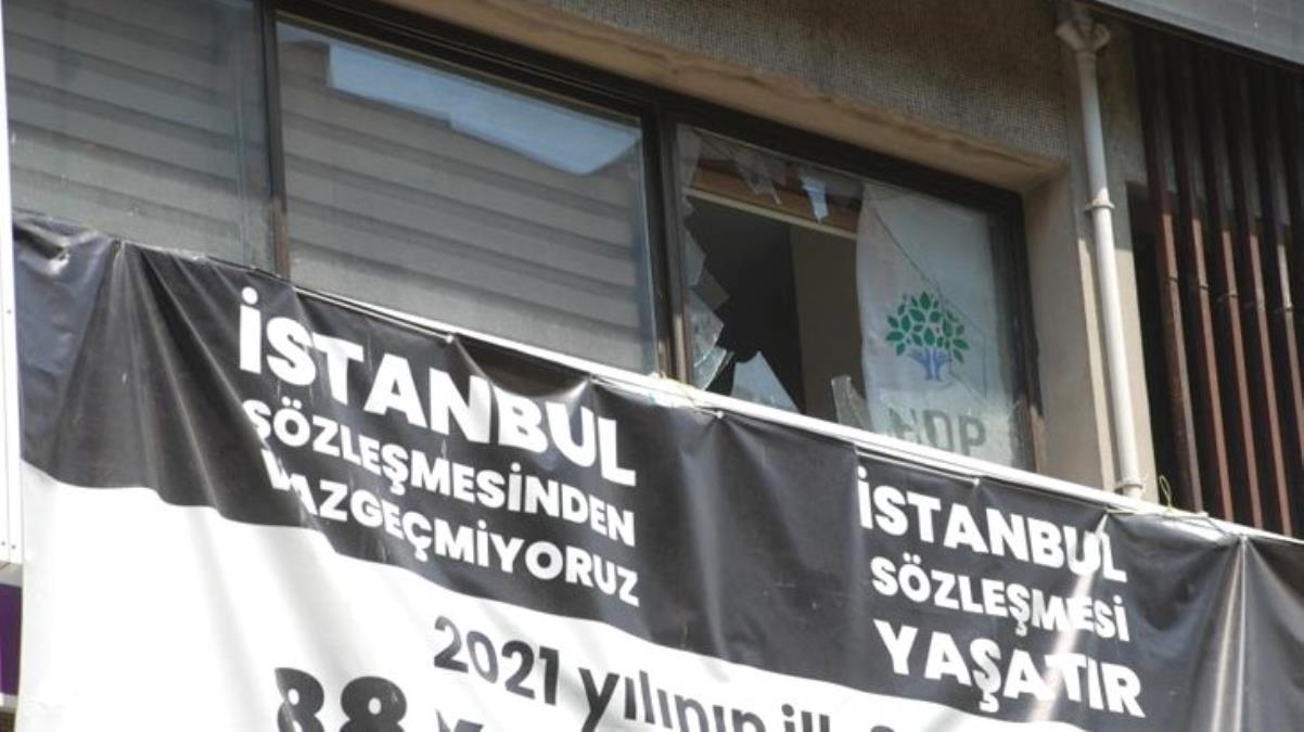 İzmir il binasına yapılan baskınla ilgili HDP'den ilk açıklama: Binamız ateşe verildi