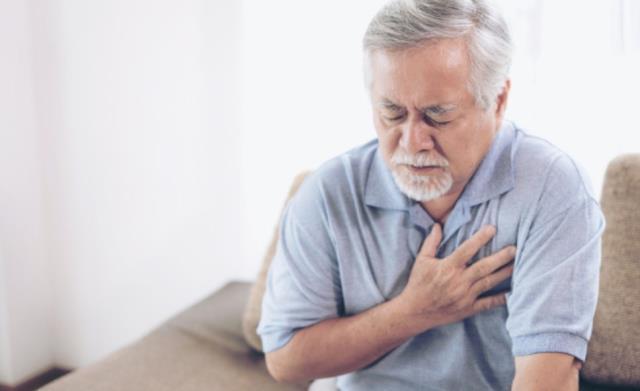 Kalp krizi belirtileri nelerdir? Kalp krizi geçirdiğinizi nasıl anlarsınız?