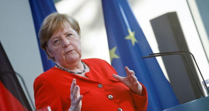 Merkel: Türkiye ile belirli konuları birlikte şekillendirmek istiyorsak birbirimize bağımlıyız