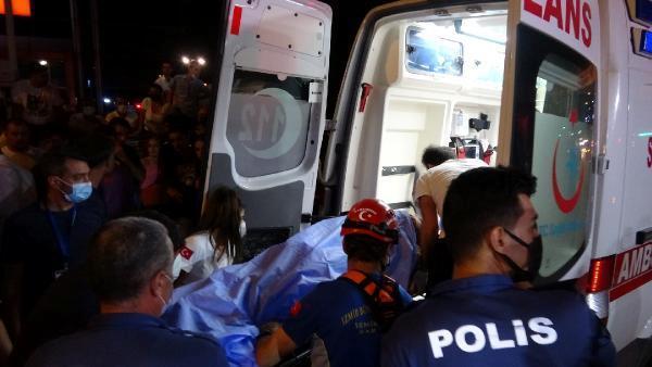 Otomobil 25 metre yüksekliğindeki metro inşaatına düştü: 2 ağır yaralı