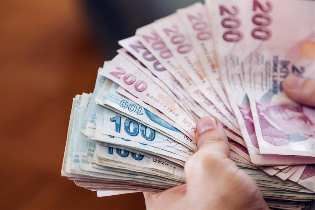 Son Dakika: Emekli bayram ikramiyesi 1100 liraya çıkarıldı