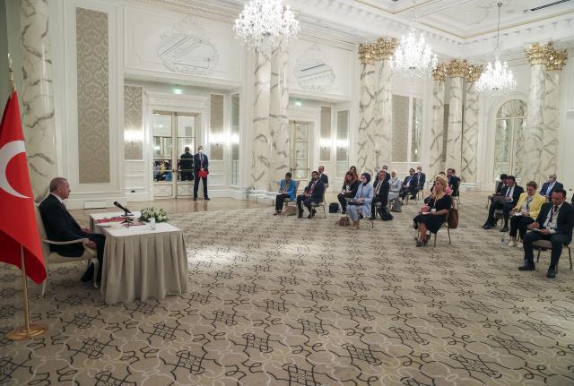 Son dakika haberleri: Cumhurbaşkanı Erdoğan, Azerbaycan'da gazetecilerin sorularını yanıtladı: (1)