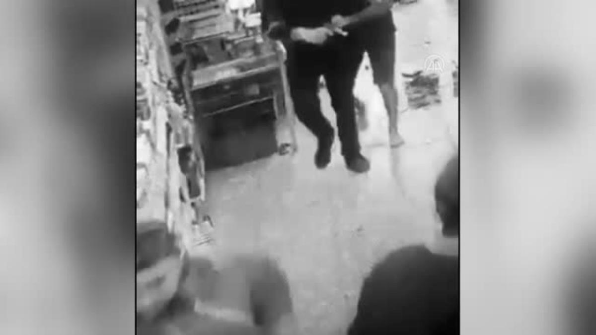Son dakika… Markette müşteri ile tartışan kasiyer, kurusıkı tabancayla ateş açtı