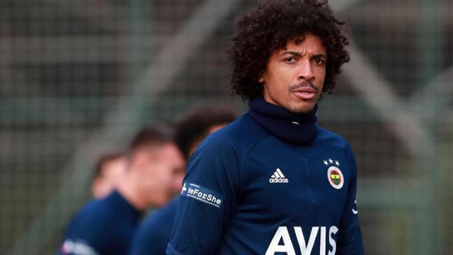 Son haftalarda formayı kaybeden taraftarın sevgilisi Luiz Gustavo, Fenerbahçe'ye veda ediyor