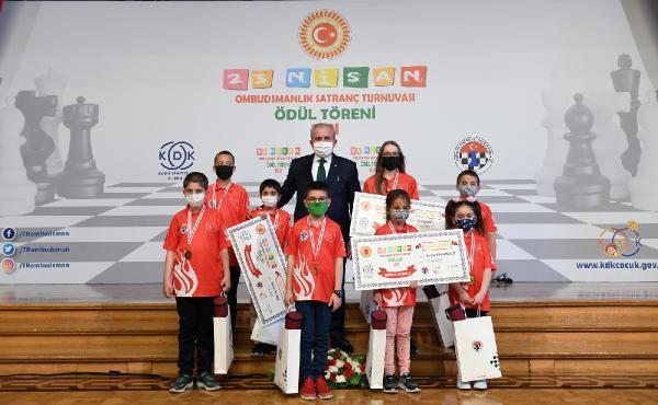 TBMM'de, satranç turnuvasında dereceye girenler ödüllendirildi