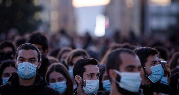 Yunanistan'da Kovid-19 salgınında günlük vaka sayısı bir ayda 10 katına çıktı