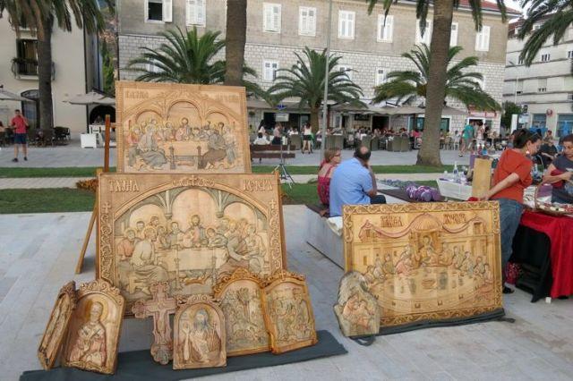 Ярмарка сувениров и изделий народных промыслов Черногории в Тивате. Фото: Bokanews.me