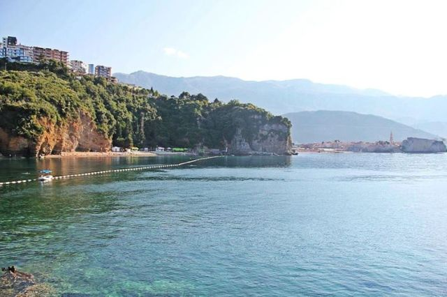 Пляж Mogren в Будве. Фото: Facebook, Mogren Beach, Budva