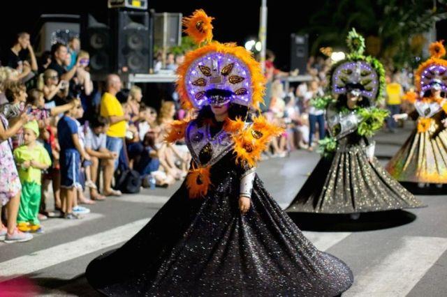 Международний летний которский карнавал. Фото: Tokotor.me