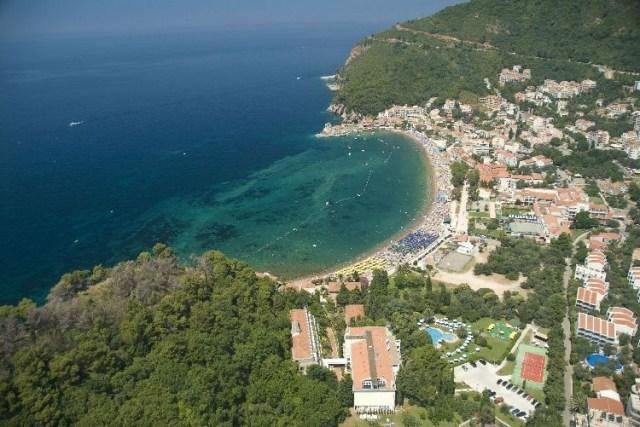 Петровац. Фото: Hotel-rivijera-montenegro.com