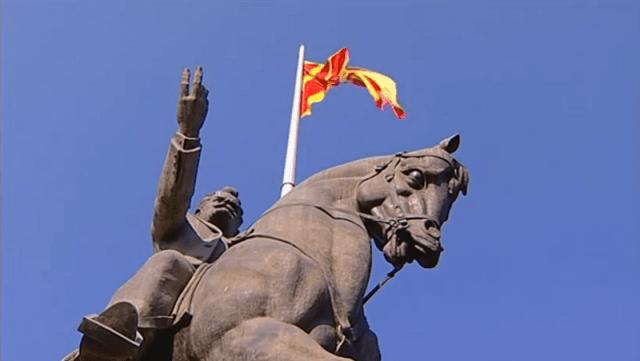 Burna rasprava u Sobranju Makedonije, za sada nema signala za potvrdu sporazuma sa Grčkom.