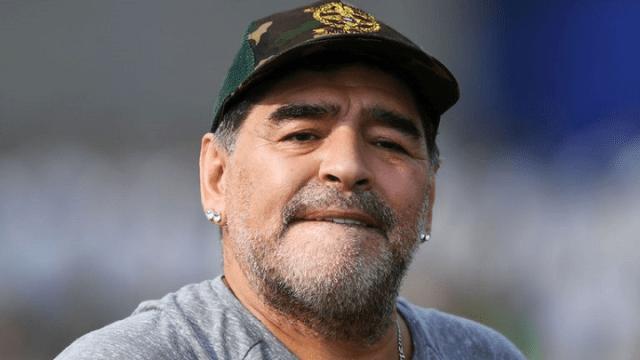 Maradona: Voleo bih da ih Mesi sve od**be i penzioniše se
