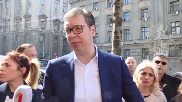 Posle Vučićeve posete obustaviljen do utorka štrajk zaduženih u švajcarcima: Država jeste delimično odgovorna ali nigde nema potpisa ni Đelića, ni Đilasa ni Jelašića