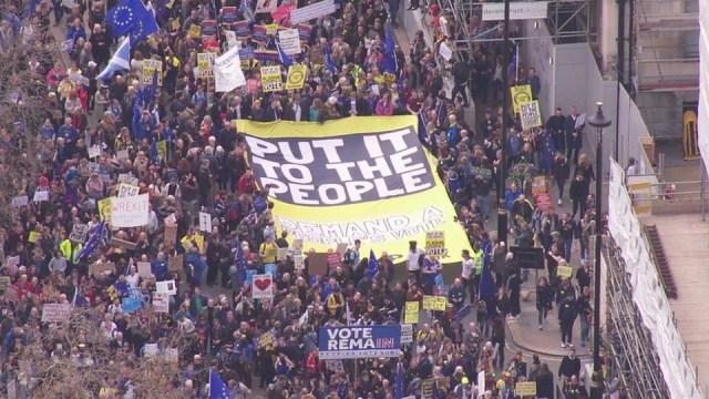 Marš za Bregzit: Desetine hiljada traže novi referendum u Britaniji