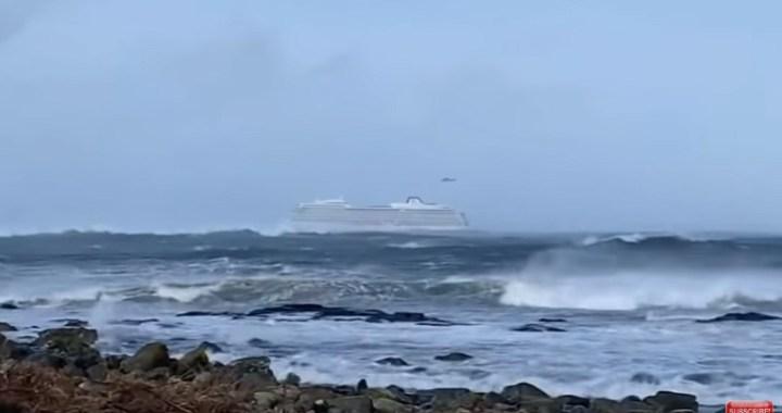 Spaseni putnici sa kruzera kod obala Norveške (VIDEO)