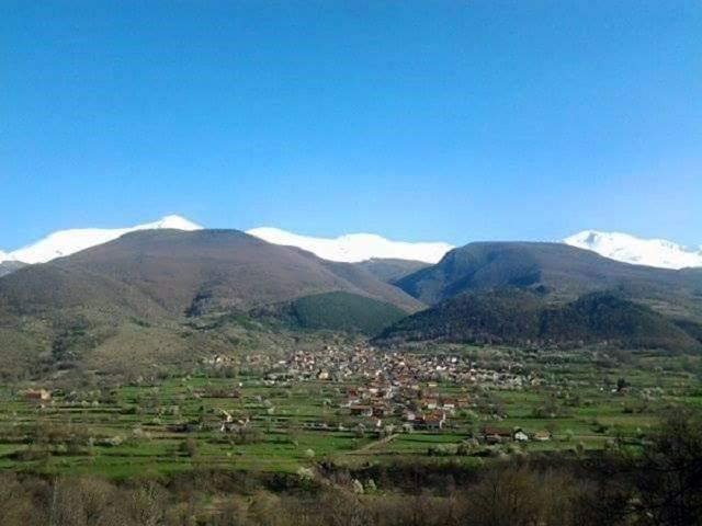 Pogled na Gotovušu i vrhove Šar-planine