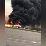 Avion se zapalio na moskovskom aerodromu, poginula 41 osoba