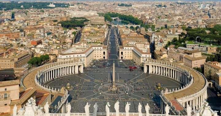 'Vatikan je homoseksualiziran, cijela institucija je izgrađena na laži, dvostrukom životu, shizofreniji, licemjerju…': nakon četiri godine istraživanja francuski novinar izdaje knjigu o Svetoj Stolici