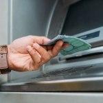 Hakovao bankomat i odneo 30.000 evra: Aparat nastavio da izbacuje novac na ulicu