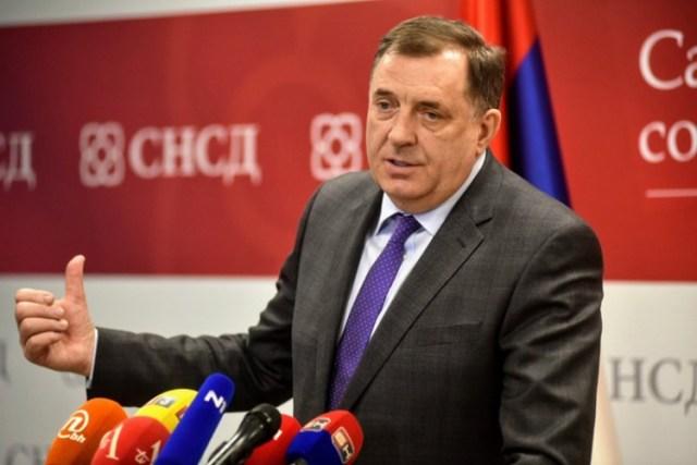 Dodik preglasan na sjednici Predsjedništva, Komšića pozvao da podnese ostavku