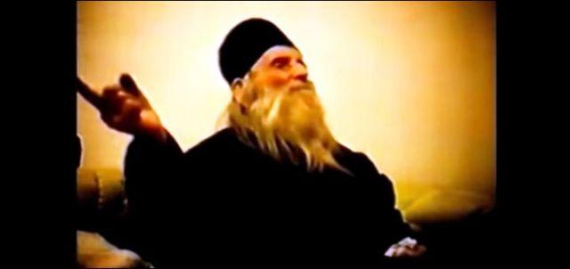 Proročanstvo monaha Gavrila: Srbiju će rasparčati, ljudi će bežati iz Beograda. Spasiće nas Rusija kad postane carevina