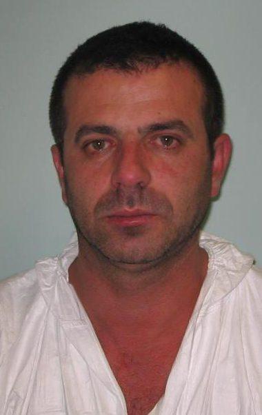 Sami Qerkini, (emri i vërtetë) Bardhi Muça, mbërriti në Britani në 1995. Ai përdori pasaportën e tij britanike për të udhëtuar në Itali, Belgjikë, Holandë dhe Spanjë për të krijuar një rrjet të trafikut të drogës
