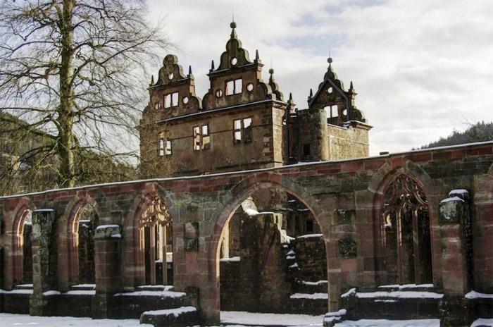 09 - 15th-century-monastery