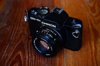 Chinon CM4S พร้อมเลนส์ Ricoh 50mm F2 ballcamerashop (1)