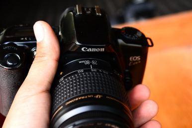 Canon EOS Kiss สีดำ พร้อมเลนส์ Canon 28 - 80mm (9)