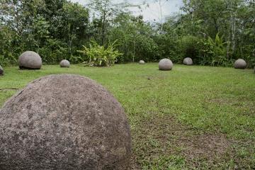 Finca 6 site #spheres #stone #world #heritage #ballenatales #costaballenalovers 3
