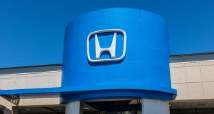 Indianapolis - Circa April 2017: Honda Motor Co. Logo and Sign. Honda Manufactures Among the Most Reliable Cars in the World IV