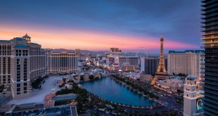 Las Vegas Casinos and Hotels Close