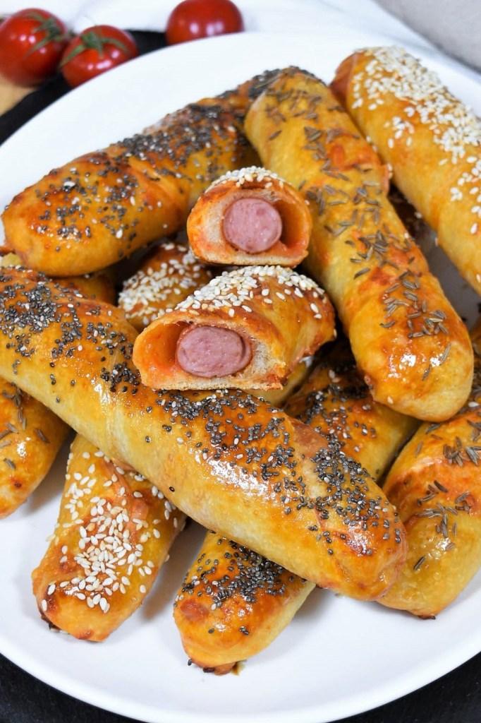 Würstchen im Pizzateig auf mazedonische Art-Snacks-ballesworld