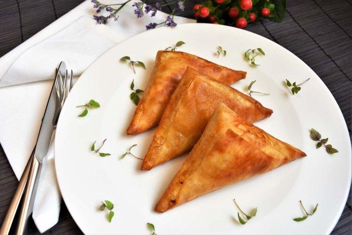 Gefüllte Teigtaschen auf mazedonische Art Hauptgericht
