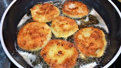 Kohlrabi Schnitzel im Parmesan Mantel-Braten