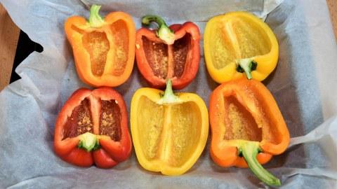Gefüllte Paprika mit frischen Kartoffeln