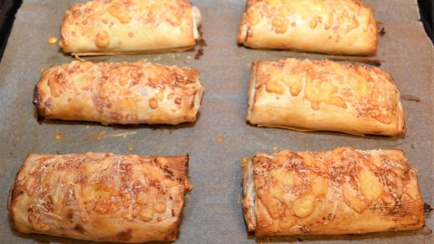 Pizza Rolle in Filo Teig