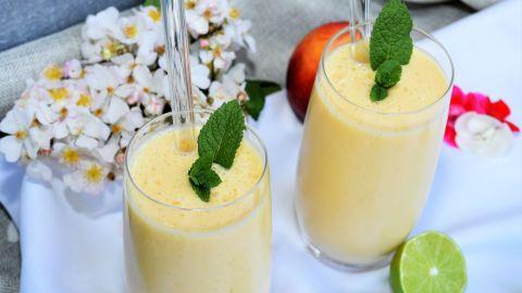 Pfirsich Erfrischungsgetränk mit Sojamilch