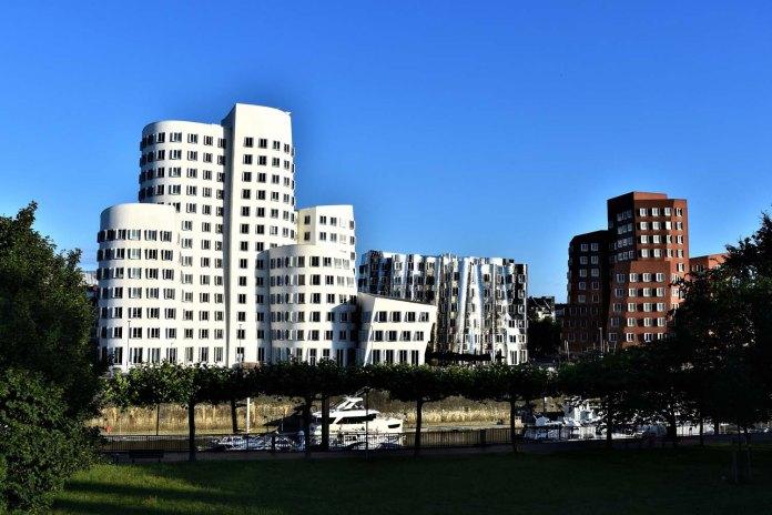 Gehry-Bauten im Medienhafen