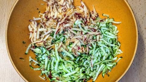 Geschmackvoller Zucchinisalat