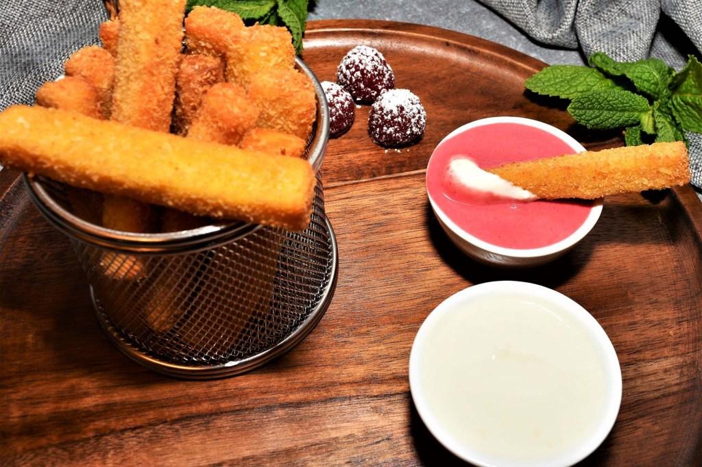 Süße-Pommes-Rot-Weiß-Dessert