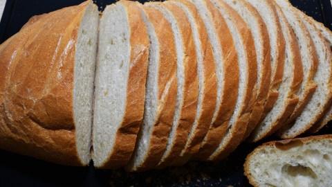 Altes Brot auffrischen