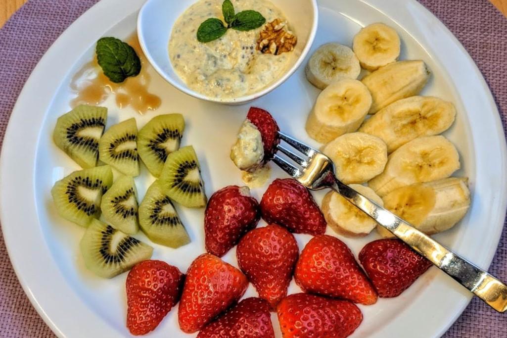Frischer Fruchtsalat mit Dip von BallesWorld gesund