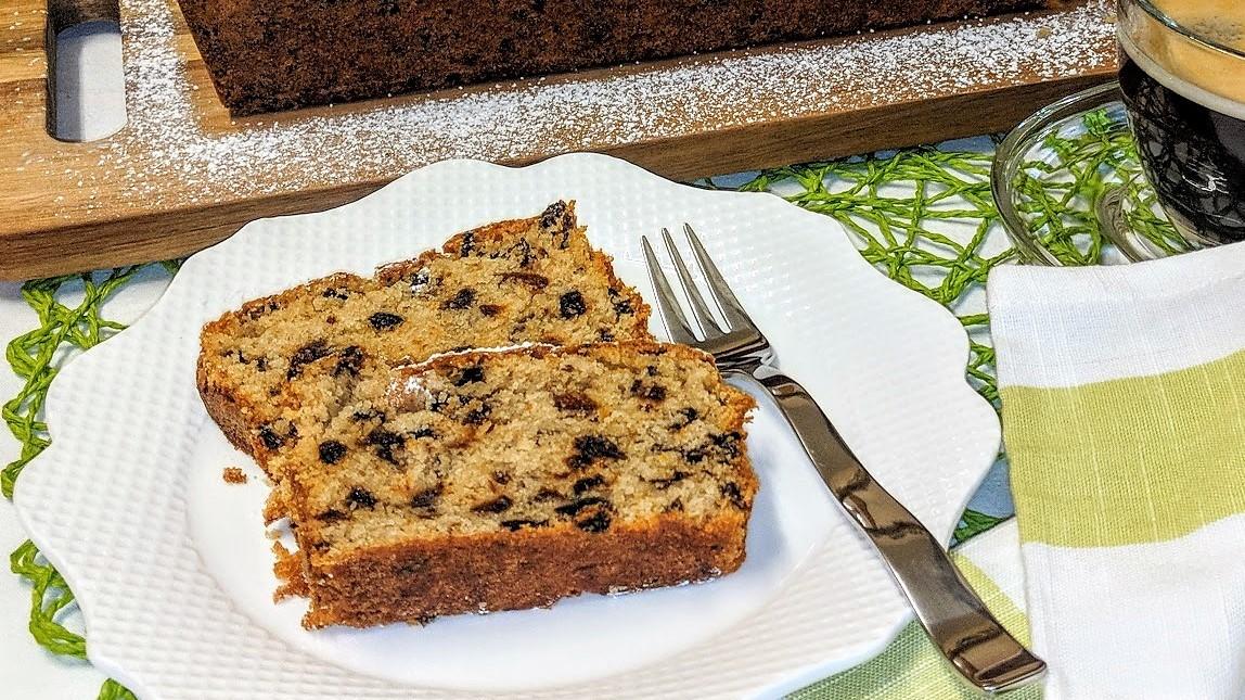 Veganer Kuchen mit Trockenfrüchte