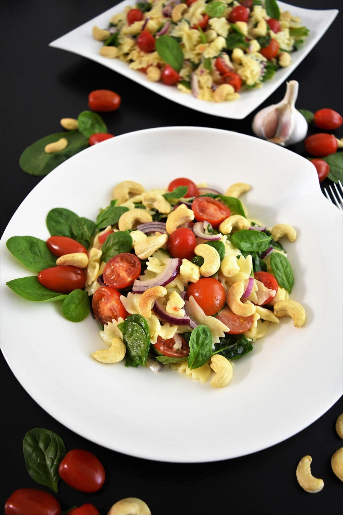 Farfalle-Spinat-Salat mit Cashewkernen Gesund