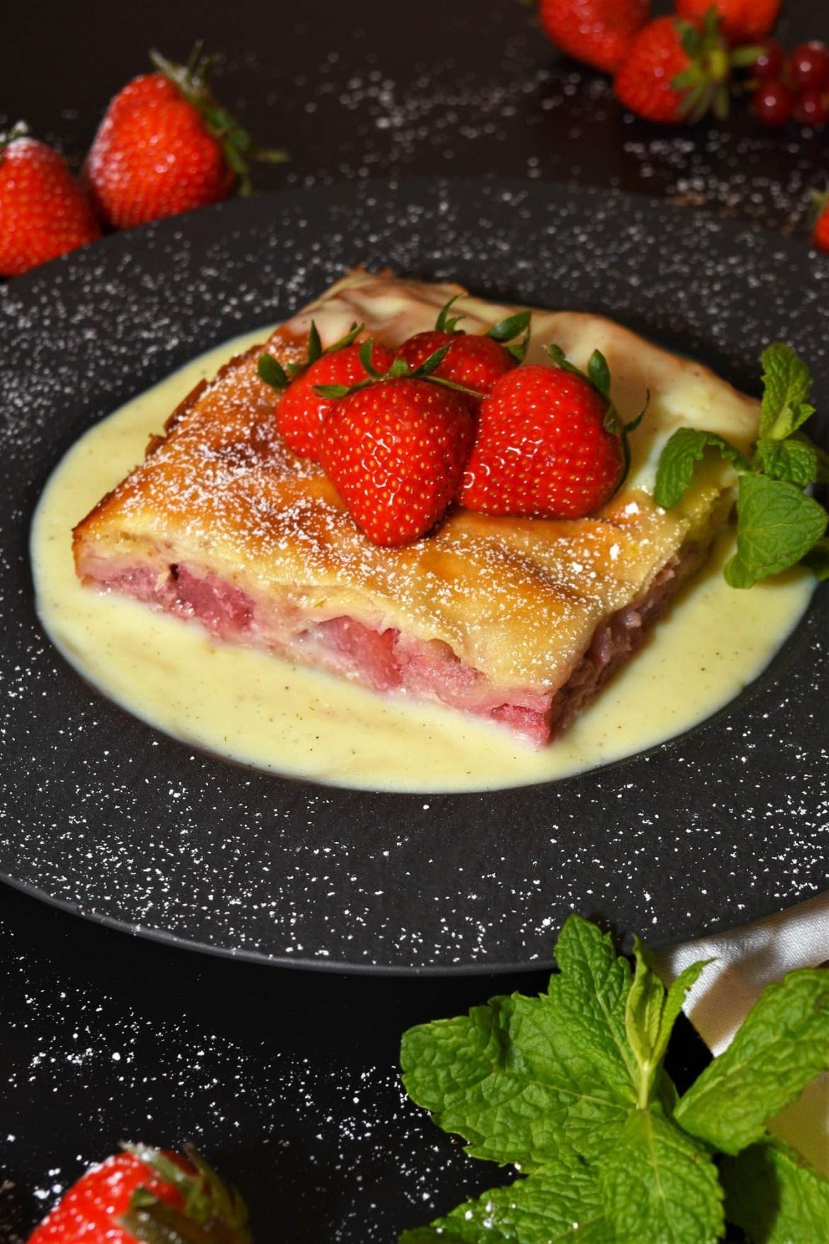 Schichtkuchen mit Joghurt-Erdbeeren Schnell