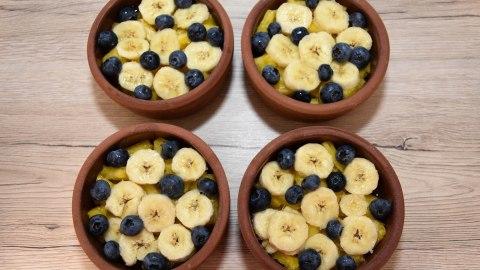 Gegrillte Ananas mit Heidelbeeren